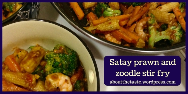 Satay prawn and zoodle stir fry (1)