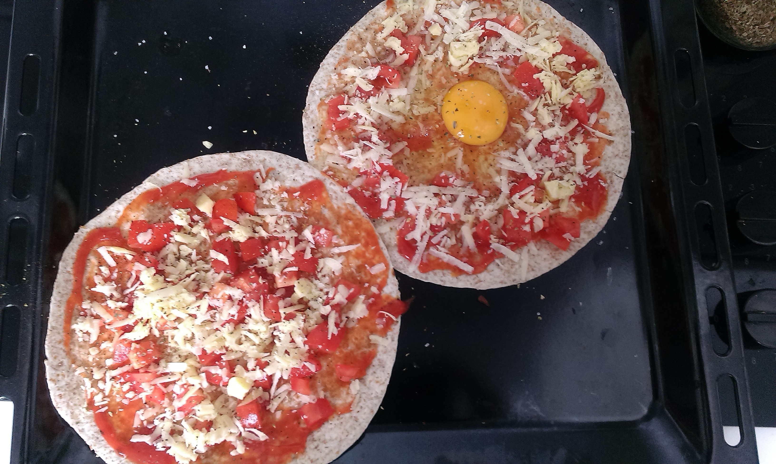 how to cook an egg on a pizza