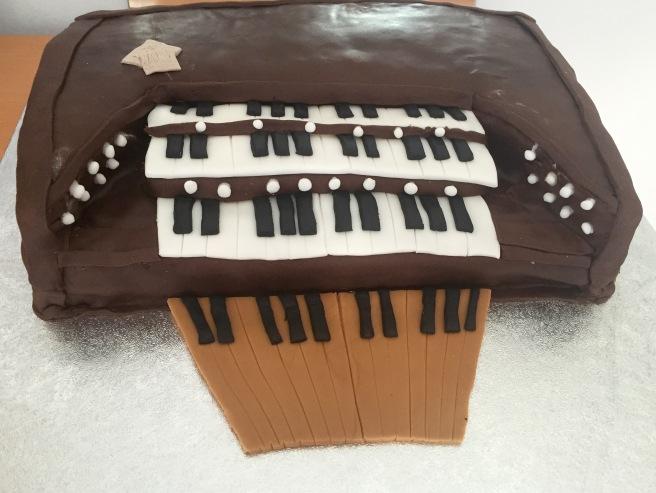 Organ cake (2)